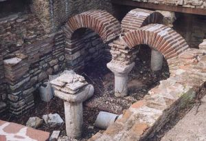 roman bath in tarnovo b